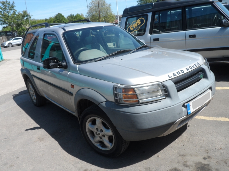 FREELANDER 3DR 1.8L PETROL MANUAL ( LR1796 ) PICTURES FOR GUIDE PURPOSE ONLY , PLEASE PHONE IN OR EMAIL WITH YOUR PARTS ENQUIRY , THANK YOU